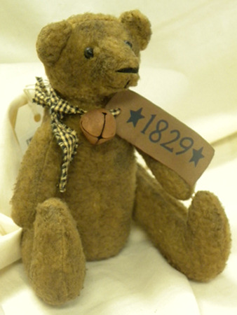 Bear, Primitive, Small - Old, Sitting, 1829