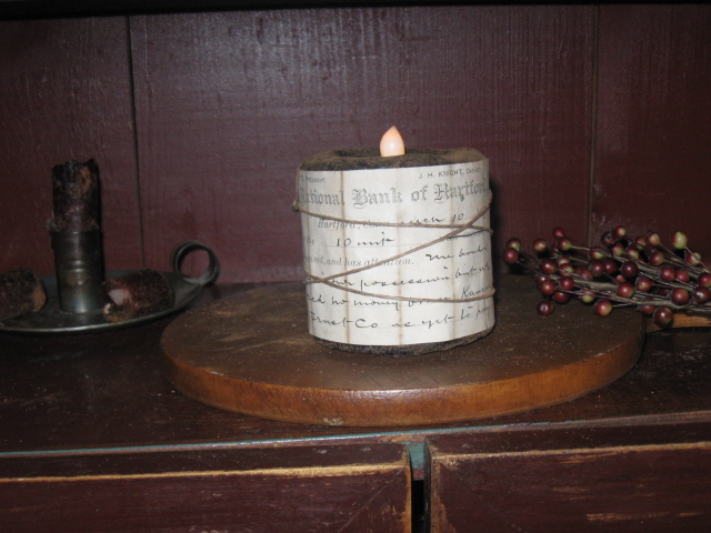 Olde Colonial Hearth Scented Flicker Cupboard  Candle