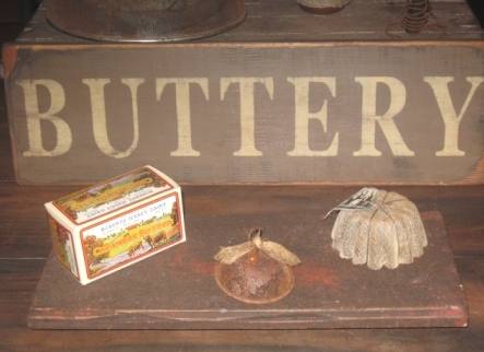 Buttery Board - Medium, Black/Red-buttery boards, primitive decor, early prim,