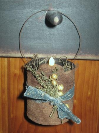 Hanging Rusty Tin Cubbie Light